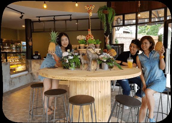 Giraffe-Cafe-7